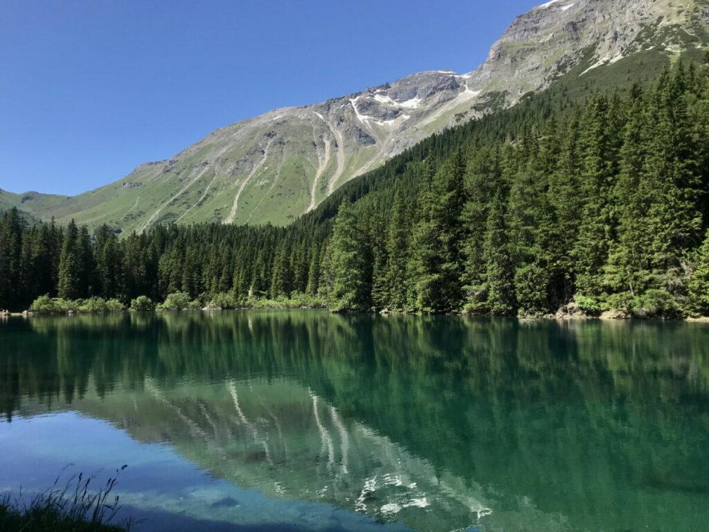 Tirol Wanderung mit Kinderwagen am Obernberger See
