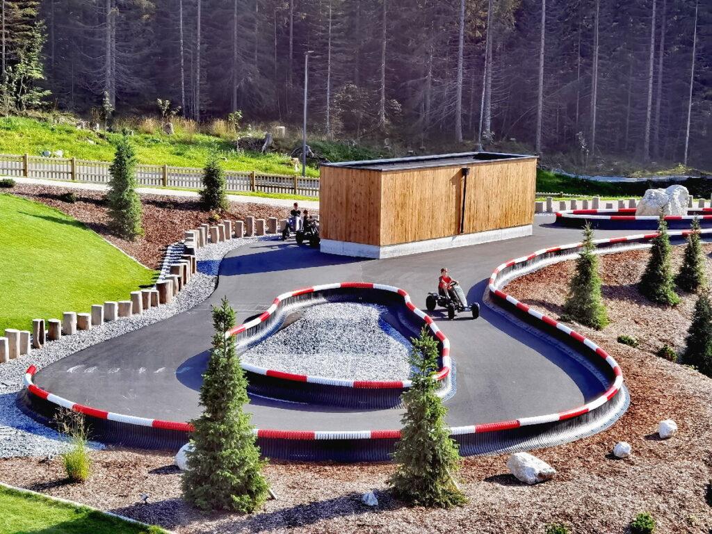 Familienhotel Zugspitz Resort Ehrwald mit Autorennbahn