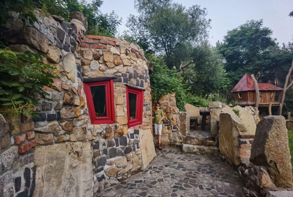Aussergewöhnlich übernachten in Turisede - so ist Dragomirs Erdversteck