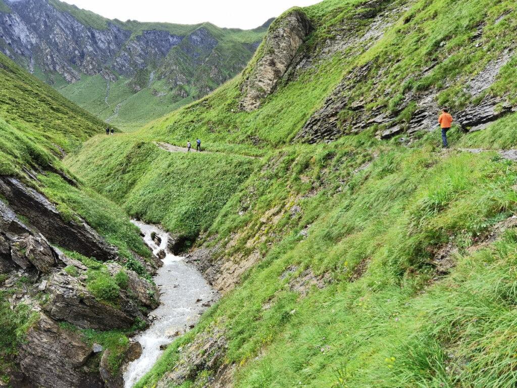 Vom Schleierfall zum Weitental Wasserfall wandern