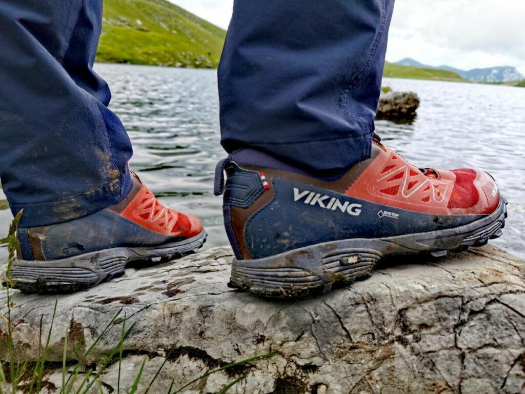 Nicht ohne Wanderschuhe am Loser wandern! Wir waren mit unseren halbhohen Viking Wanderschuhen sicher unterwegs.