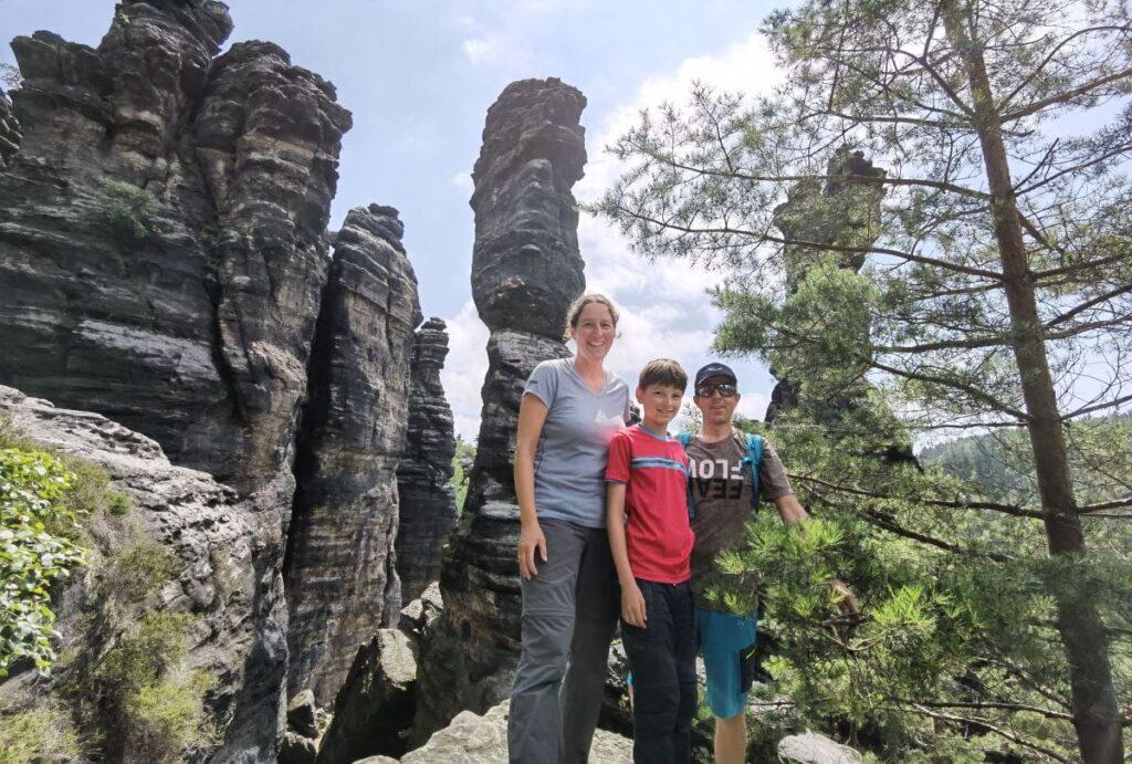 Wandern Sächsische Schweiz mit Kindern - traumhafte Kulisse bei den Herculessäulen