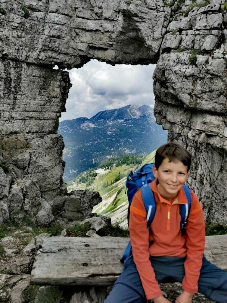 Wanderung Loserfenster - ein Loch in den Steinen als Wanderziel