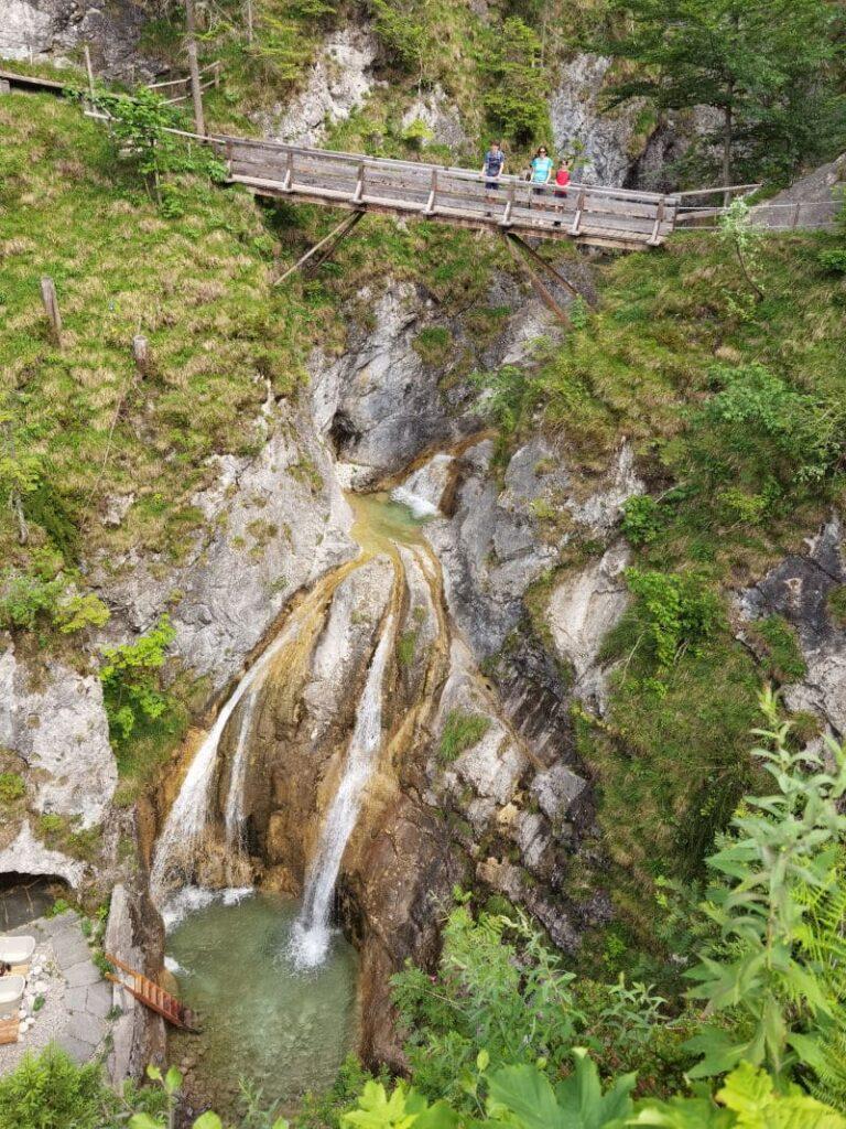 In 15 Minuten vom Familienhotel Bayrischzell zum bekannten Wasserfall
