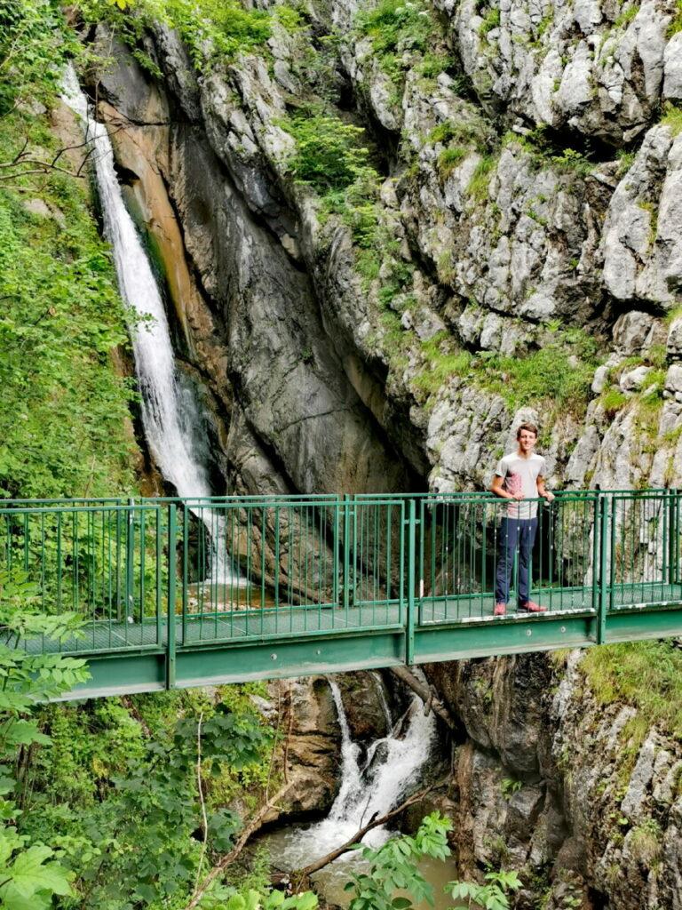 Auf dem Weg zu den Salzwelten: Der Wasserfall oberhalb von Hallstatt