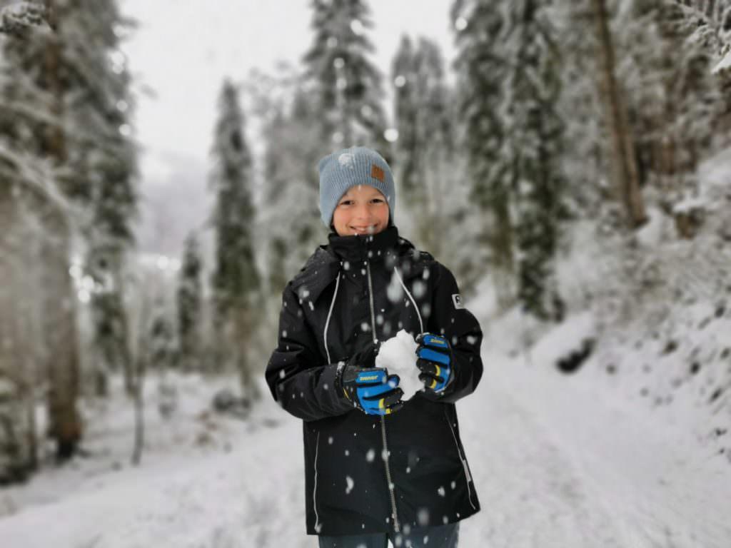 Winterwandern Kleinwalsertal mit Kindern - bei Schneefall!