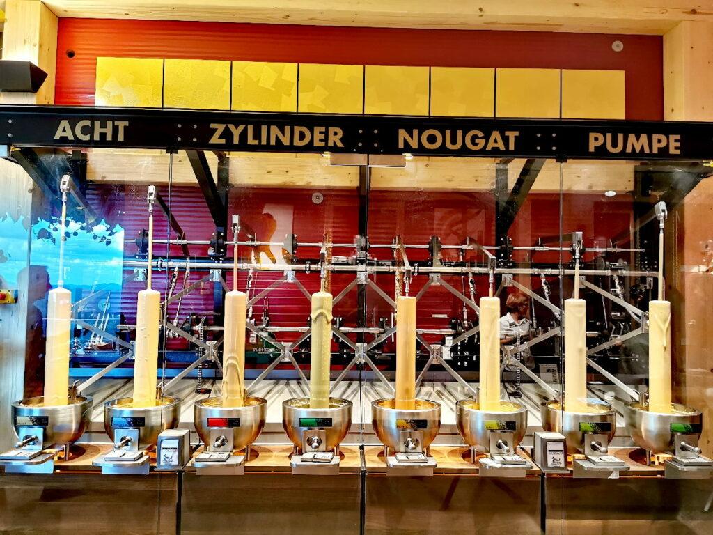 Ein Schokoladentraum: Die Acht Zylinder Nougat Pumpe - acht unterschiedliche Nougatsorten zum Probieren!
