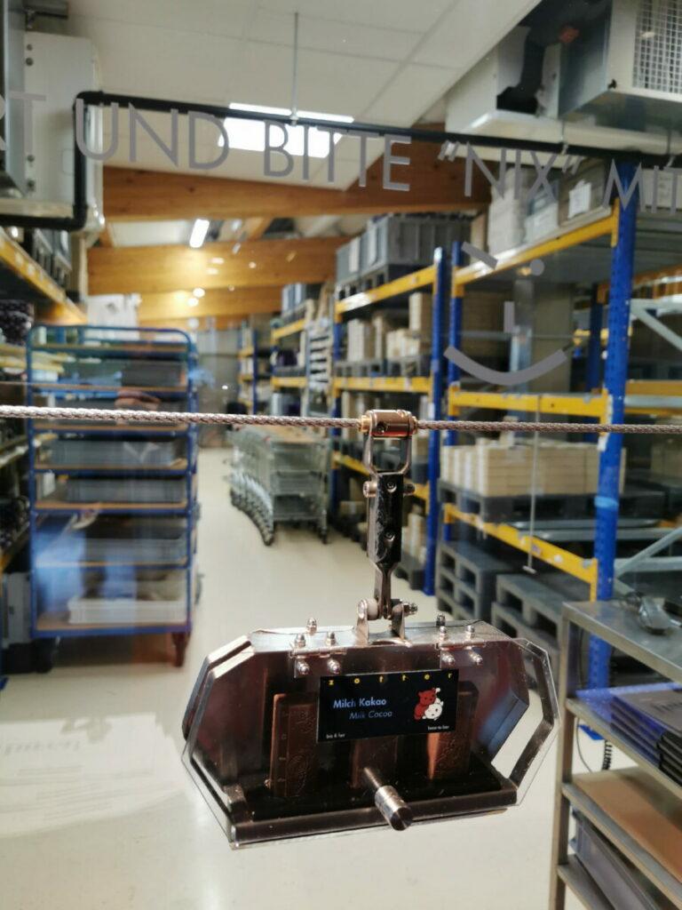 Die Gondel in der Zotter Schokoladenfabrik - auf dem Weg zur Trinkschokoladen-Station