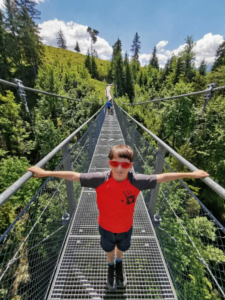 An der Zugspitze mit Kindern - die kostenlose Hängebrücke bei der Tannenhütte