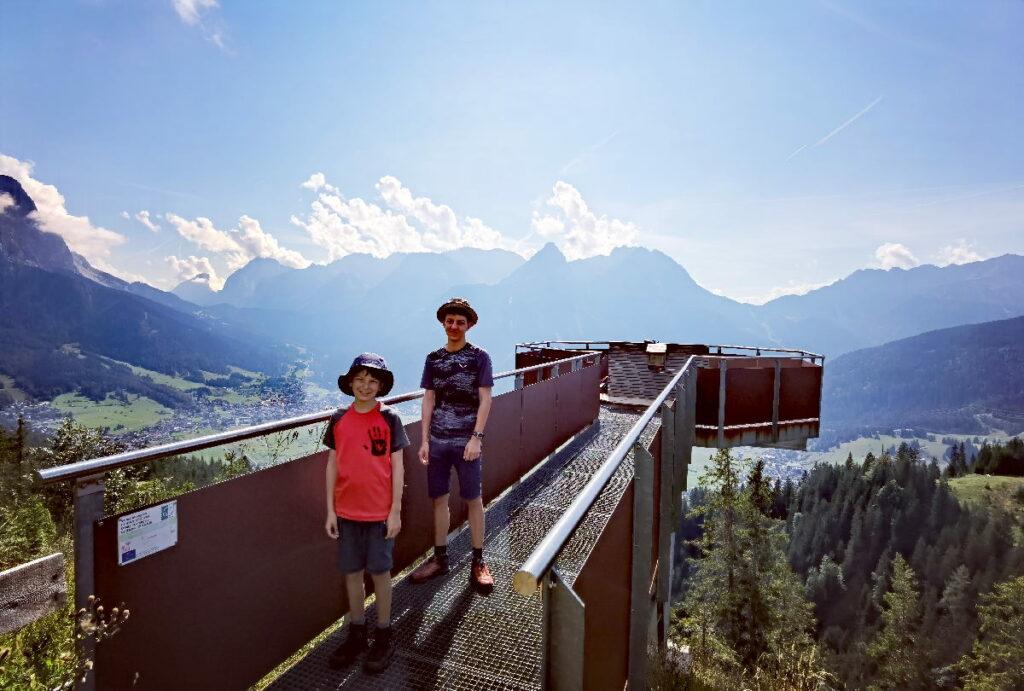 Unser Tipp an der Zugspitze mit Kindern - die Wanderung zu dieser kostenlosen Aussichtsplattform